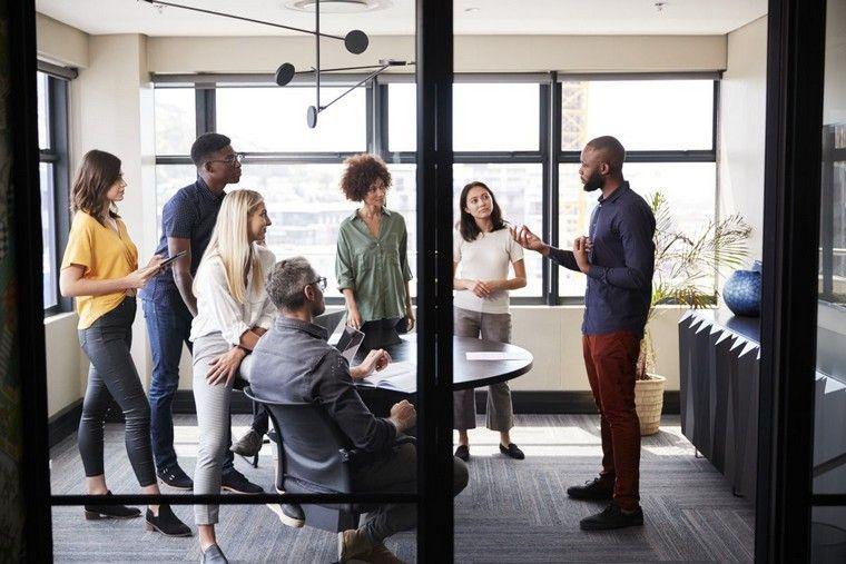 diseño de interiores ambiente oficina