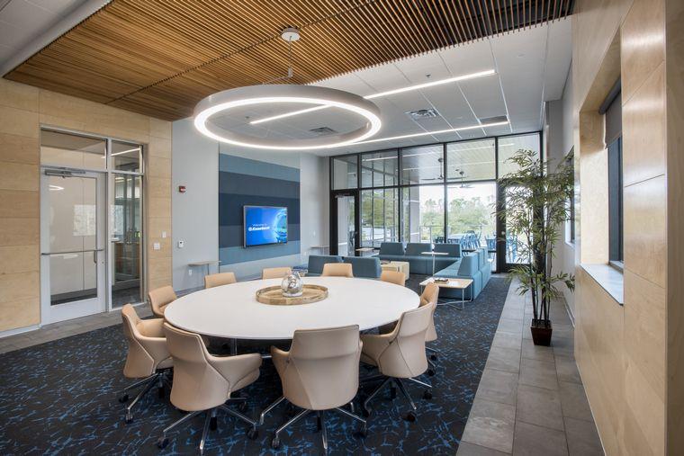 diseño de interiores iluminacion oficina