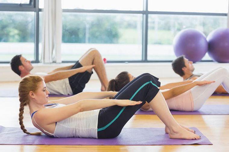 dolor muscular yoga movimiento