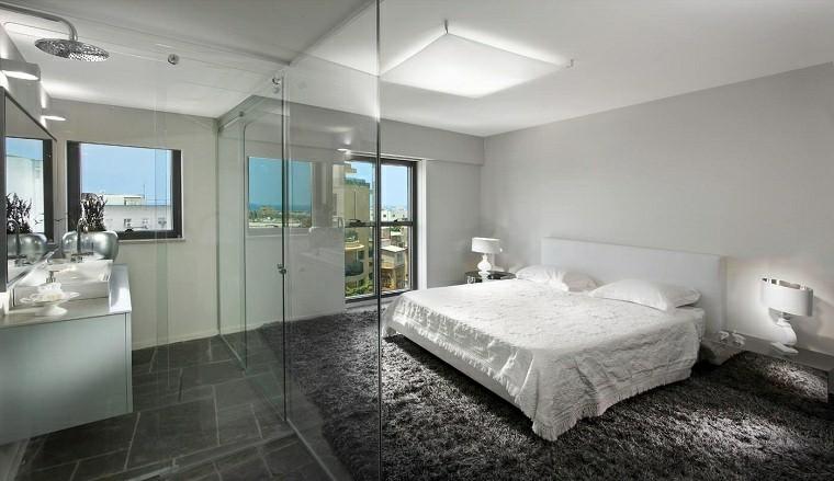 dormitorio-con-ducha-ideas-alfombra