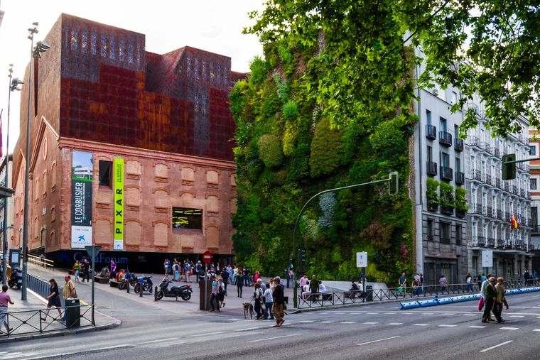edificios ecológicos caixaforum