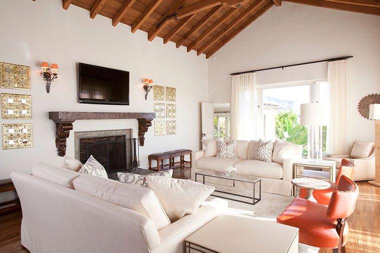 estilo mediterráneo sofas blancos