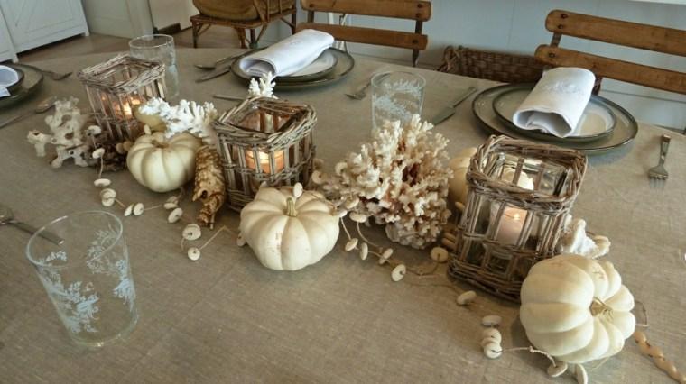 la tradición calabazas en mesa comedor