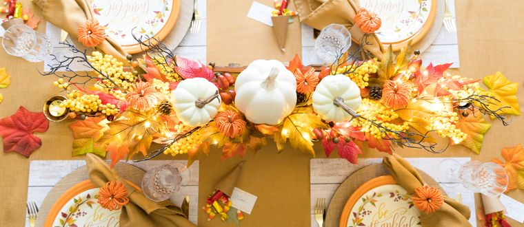 la tradición centro de mesa calabazas hojas