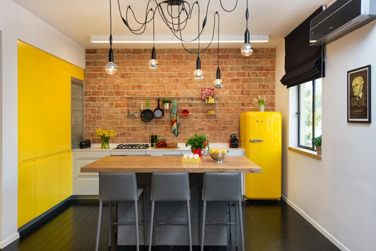 pared-ladrillo-muebles-color-gris-cocina-diseno
