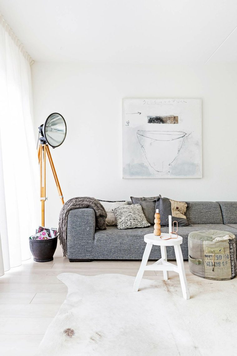 salon-estilo-escandinavo-sofa-gris