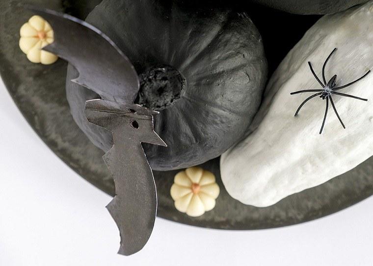 Calabazas-de-halloween-pintadas-negro