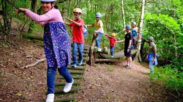 actividades de aventura en bosque