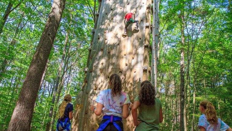 actividades de aventura escalar muro