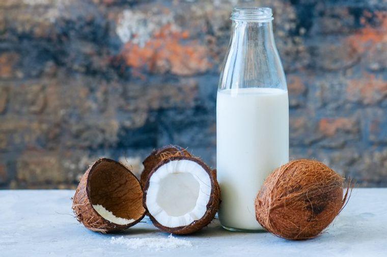 alimentos caloricos leche coco