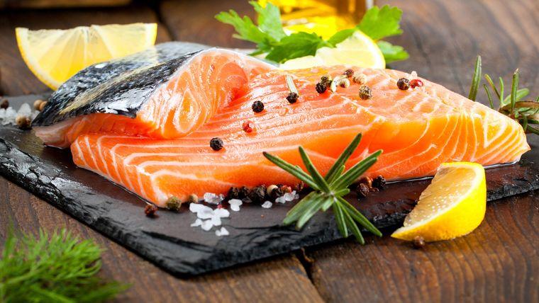 alimentos caloricos salmon