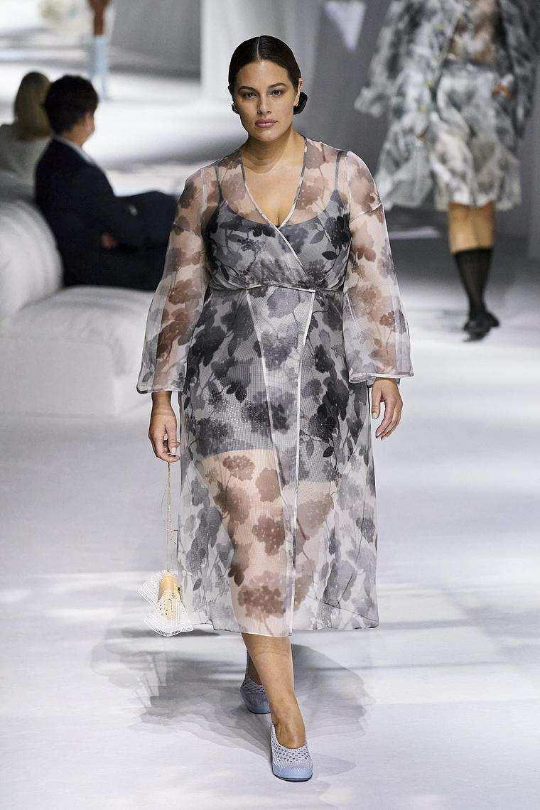 fendi-abrigo-impermeable-transparente