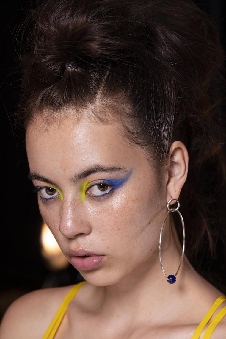 maquillaje-azul-amarillo-opciones