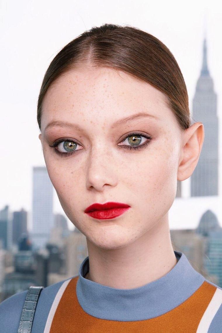 maquillaje-modelo-Longchamp-2020