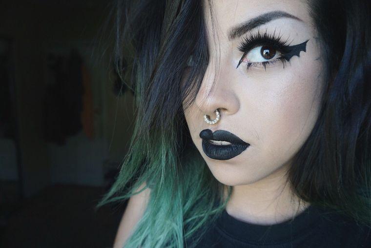 maquillaje original ala murcielago