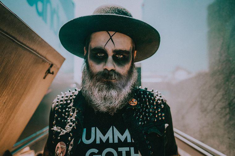maquillaje para hombre con barba