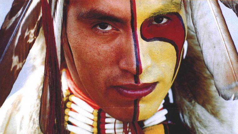 maquillaje para hombre indio