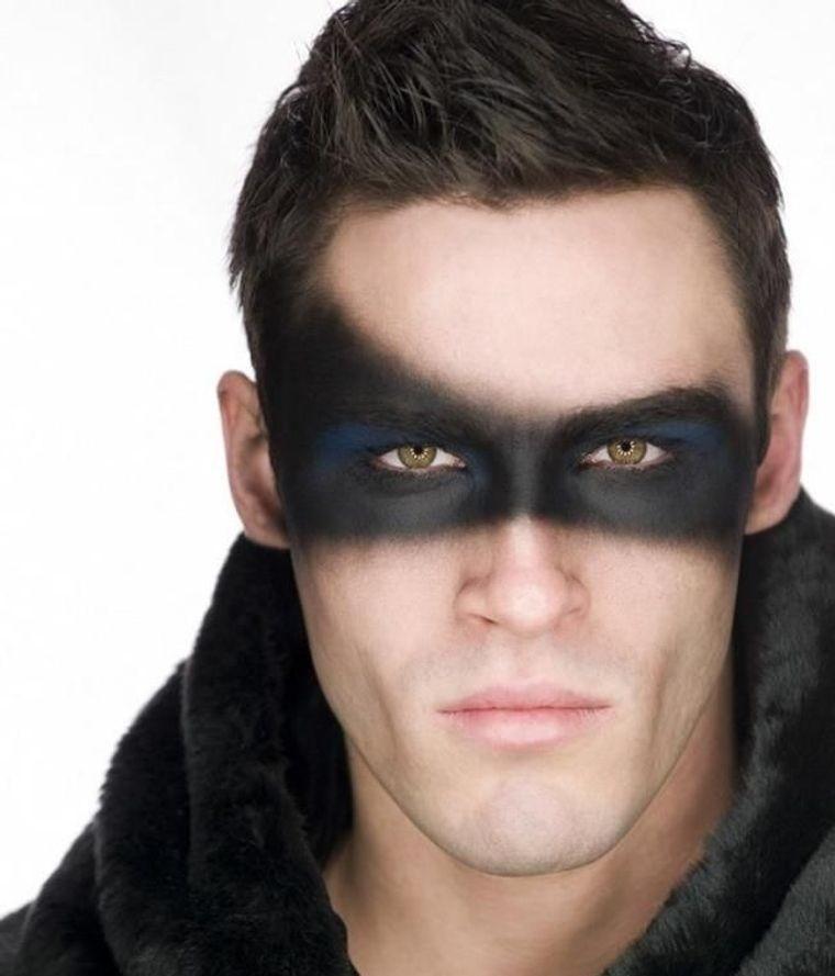 maquillaje para hombre mascarilla