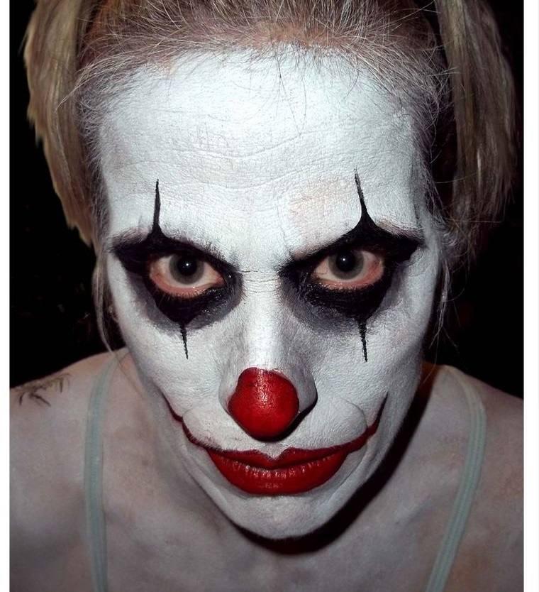 maquillaje para hombre payaso aterrador