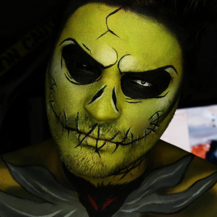 maquillaje para hombre verde