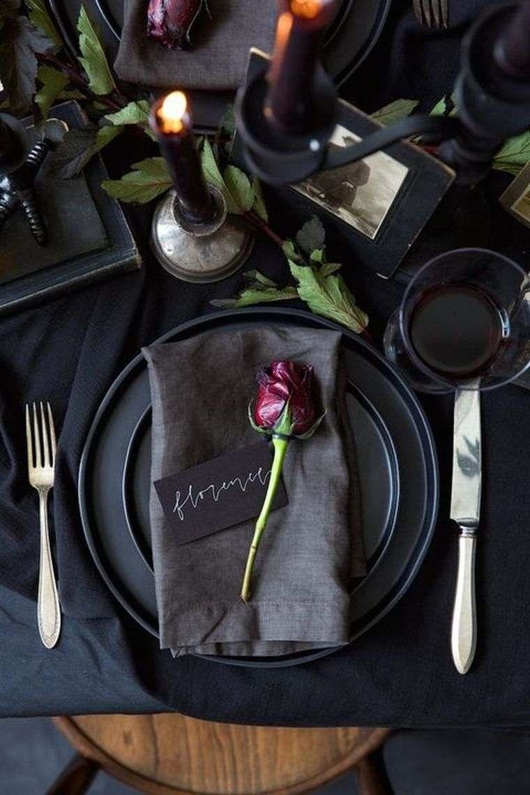 platos-negro-mesa-halloween