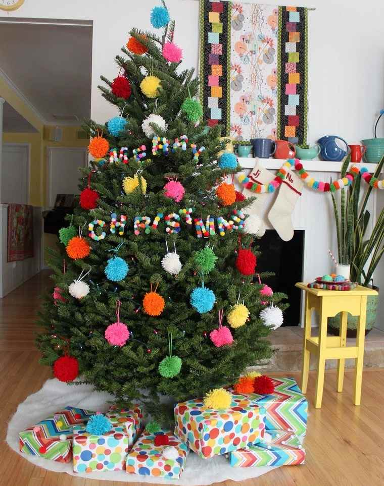 pompones arbol navidad