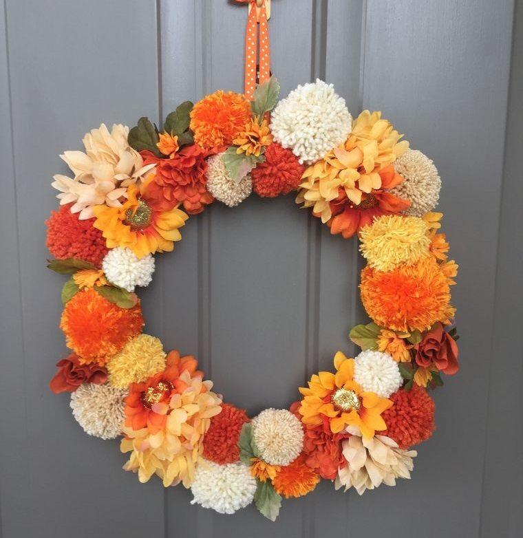 pompones corona otoño