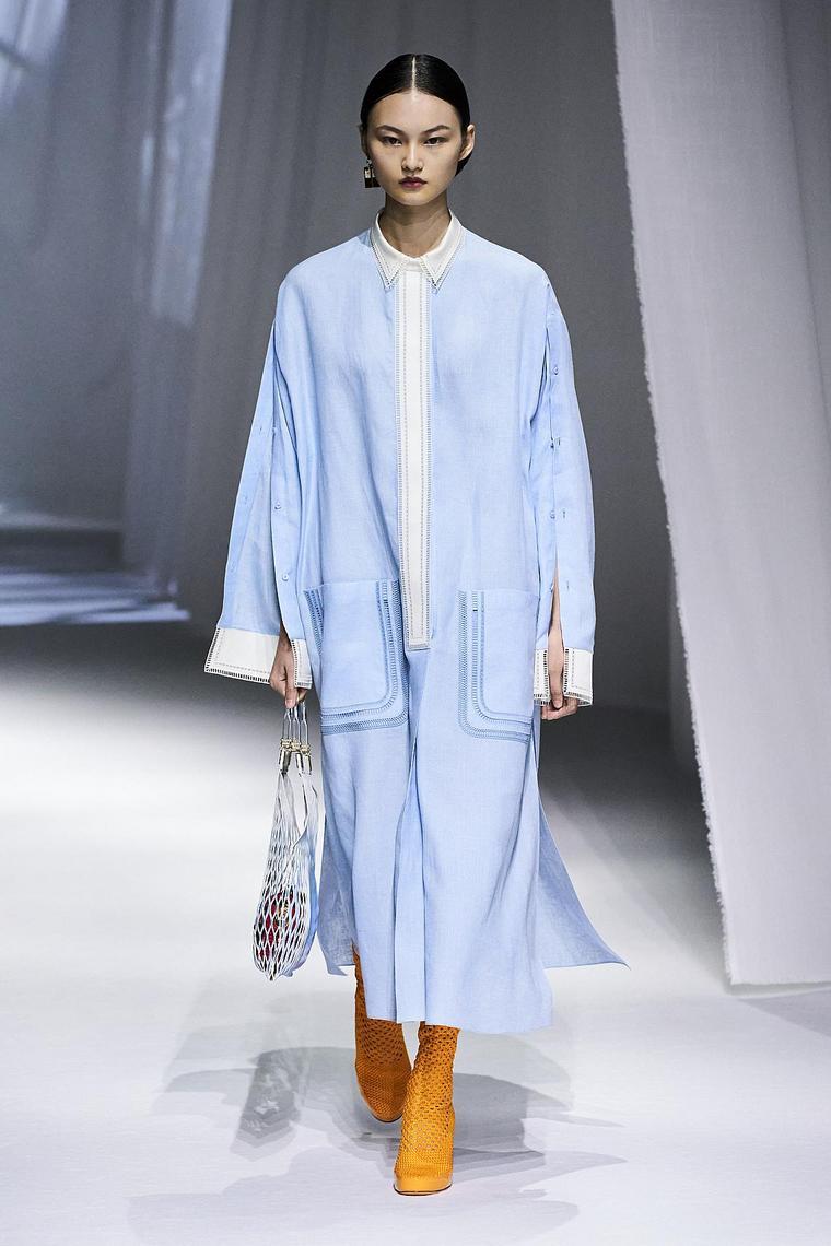 ropa-fendi-color-azul