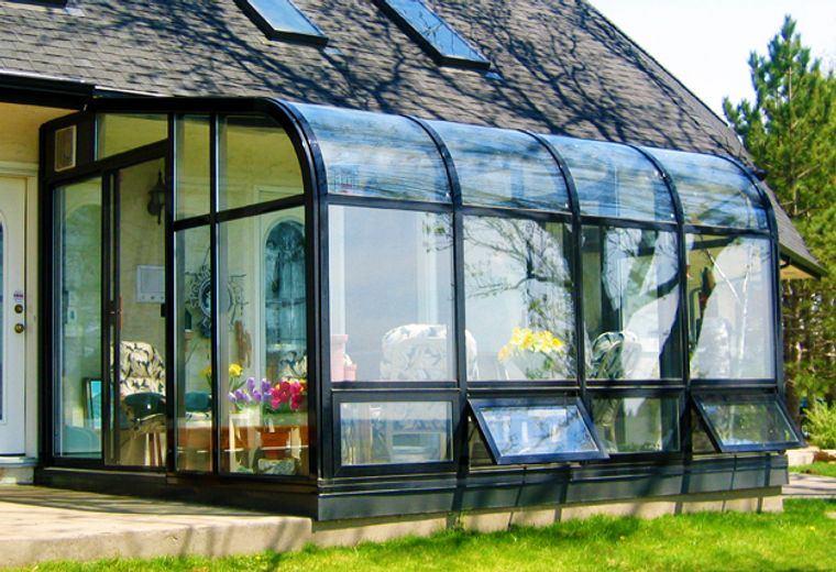 curved solarium design