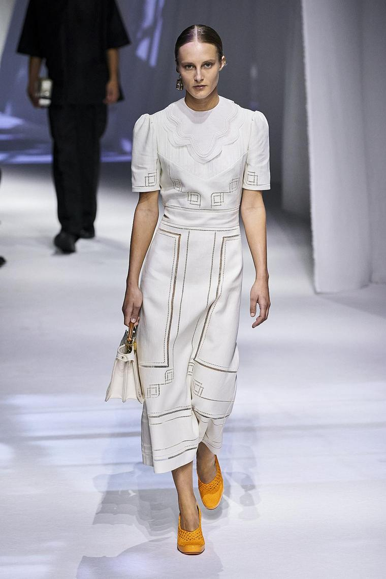 vestido-simple-largo-fendi-2020