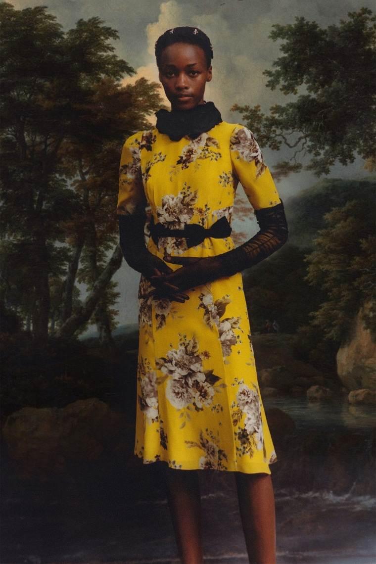 Diseño-floral-motivos-florales-vestido-Erdem