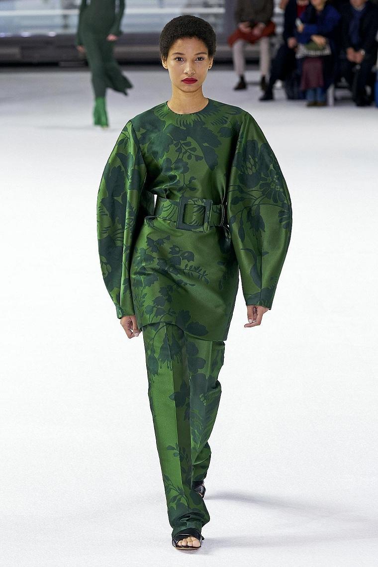Diseño-floral-motivos-florales-vestido-Herrera