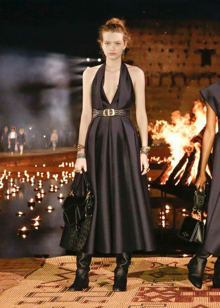 Vestido negro básico-fiesta