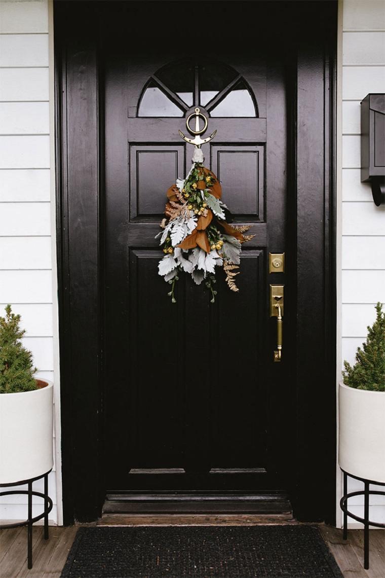 corona-puerta-casa-moderna-ideas