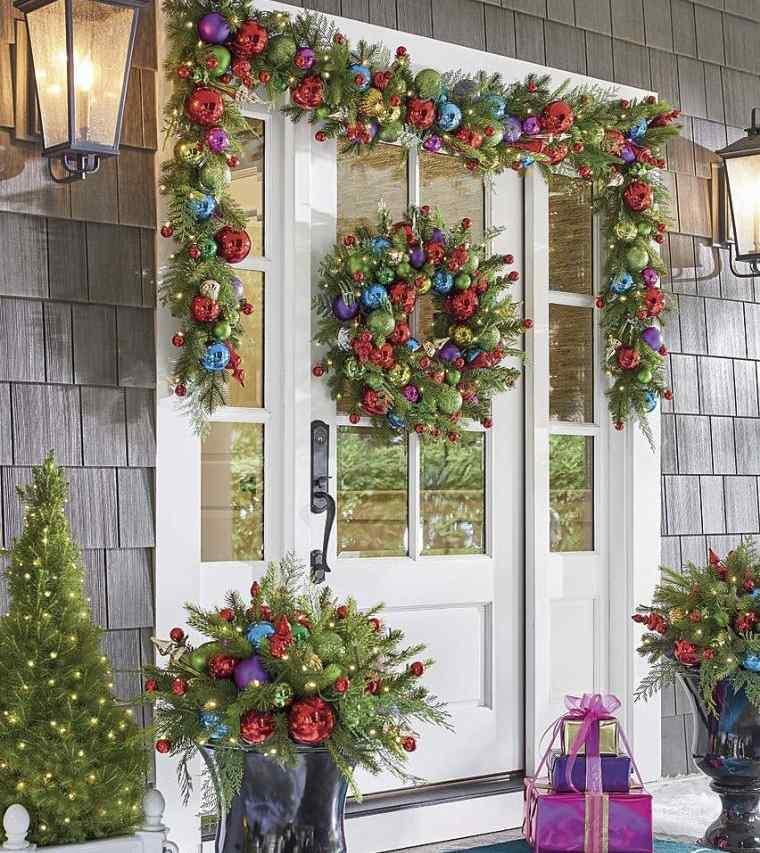 decoración original con bolas navideñas