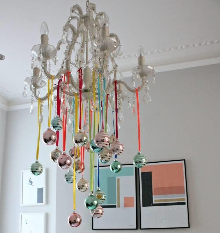 decoración original lampara colorida