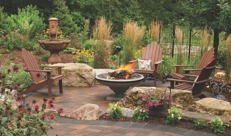 decoración rústica patio elementos naturales