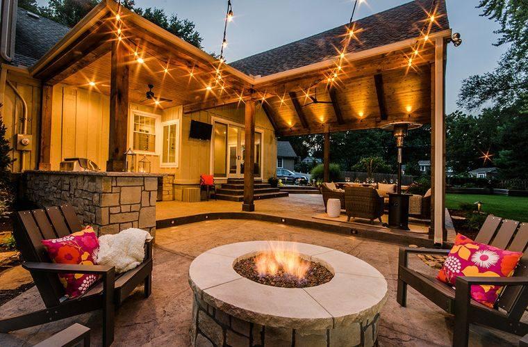 Decoración rústica para transformar tu patio trasero en un oasis natural