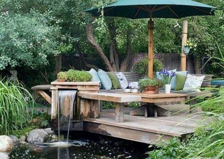 decoración rústica patio madera agua