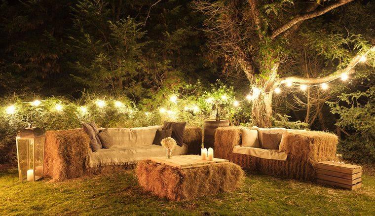 decoración rústica patio muebles de heno