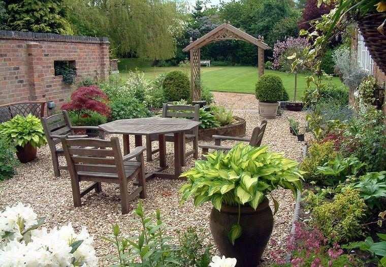 decoración rústica patio muebles madera