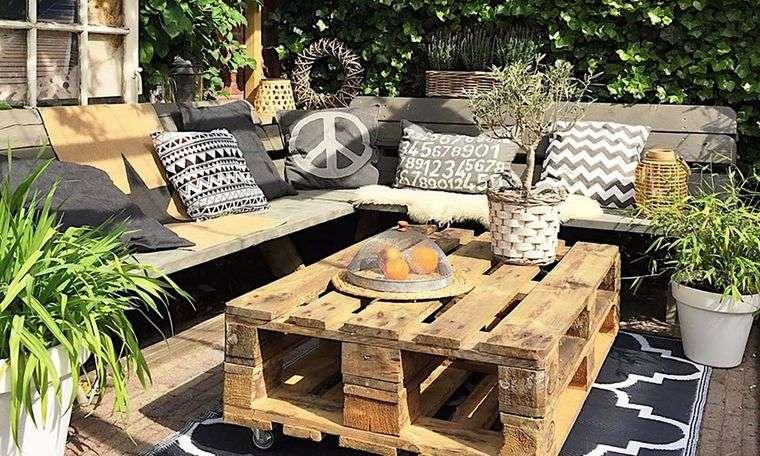 decoración rústica patio muebles paletas