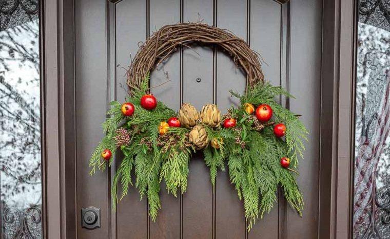 Decorar la puerta de entrada-corona-decoracion