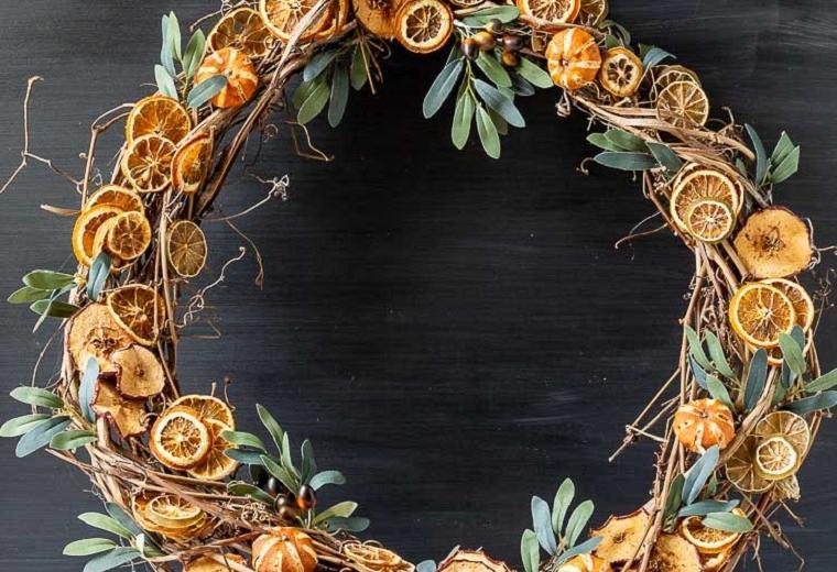 decorar-la-puerta-de-entrada-corona-frutos