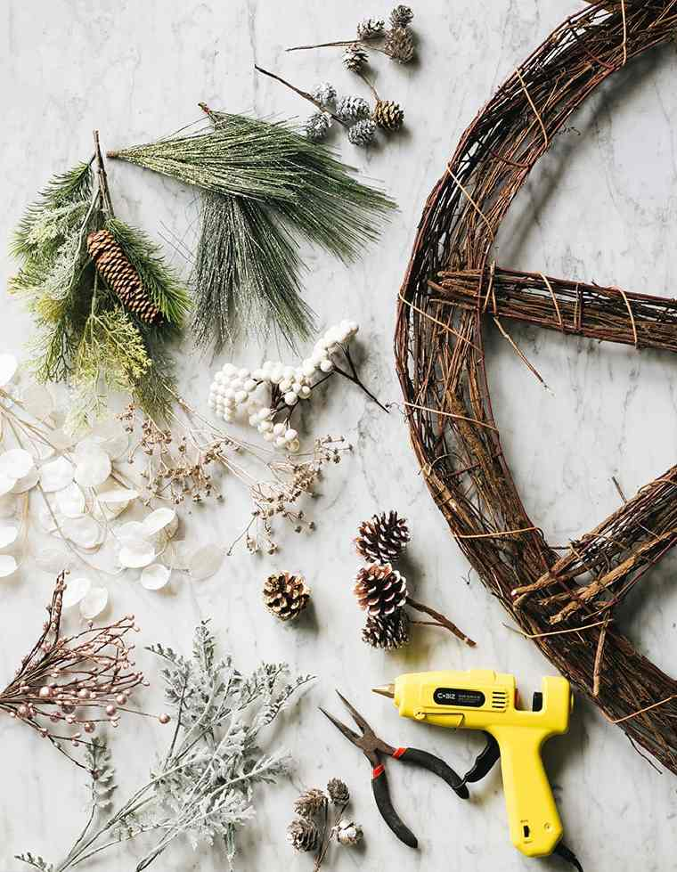 decorar-puerta-navidad-diy-materiales