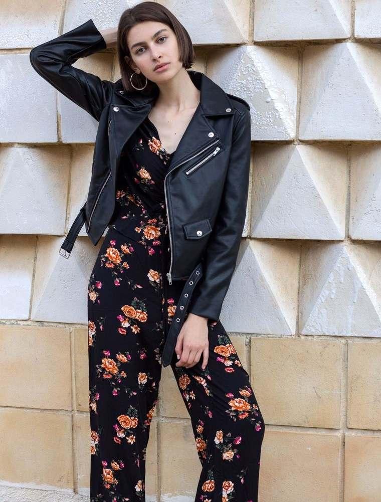diseño floral fondo negro