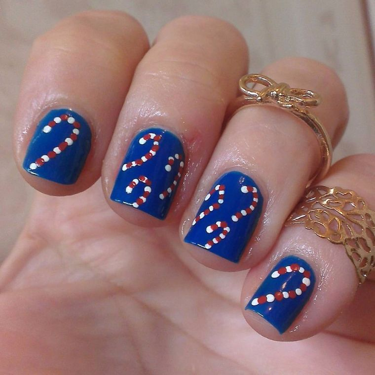 diseños de uñas navideñas azul