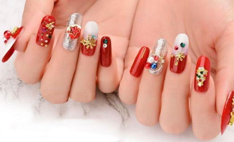diseños de uñas navideñas brillantes
