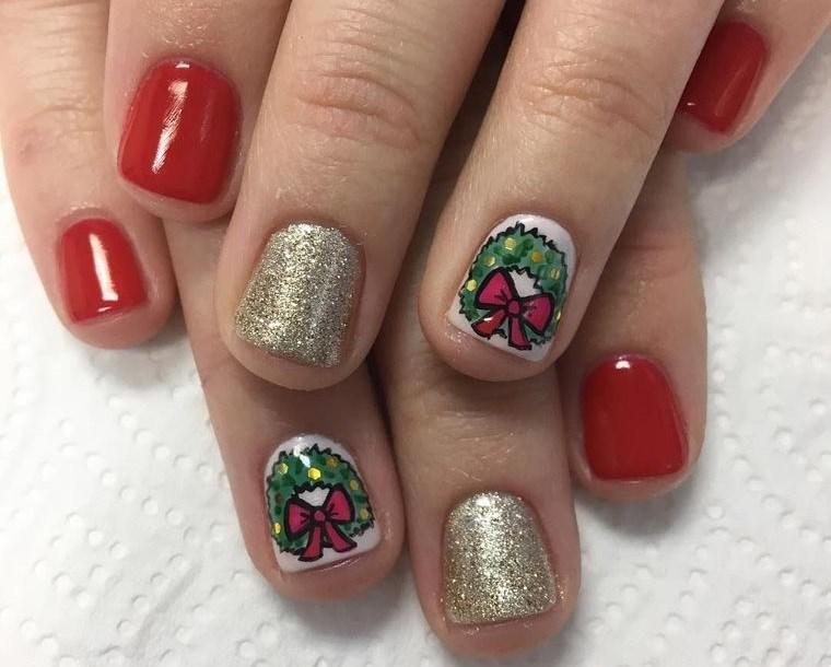 diseños de uñas navideñas con corona