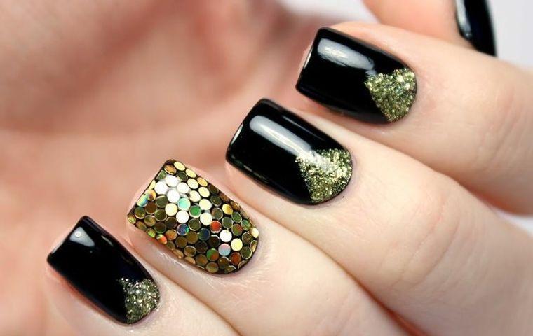 diseños de uñas navideñas con negro